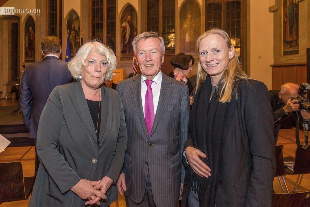 Die ehemaligen Regenten der Mainmetropole Jutta Ebeling und Andreas von Schoeler mit der Goethe-Uni-Präsidentin Prof. Dr. Birgitta Wolff