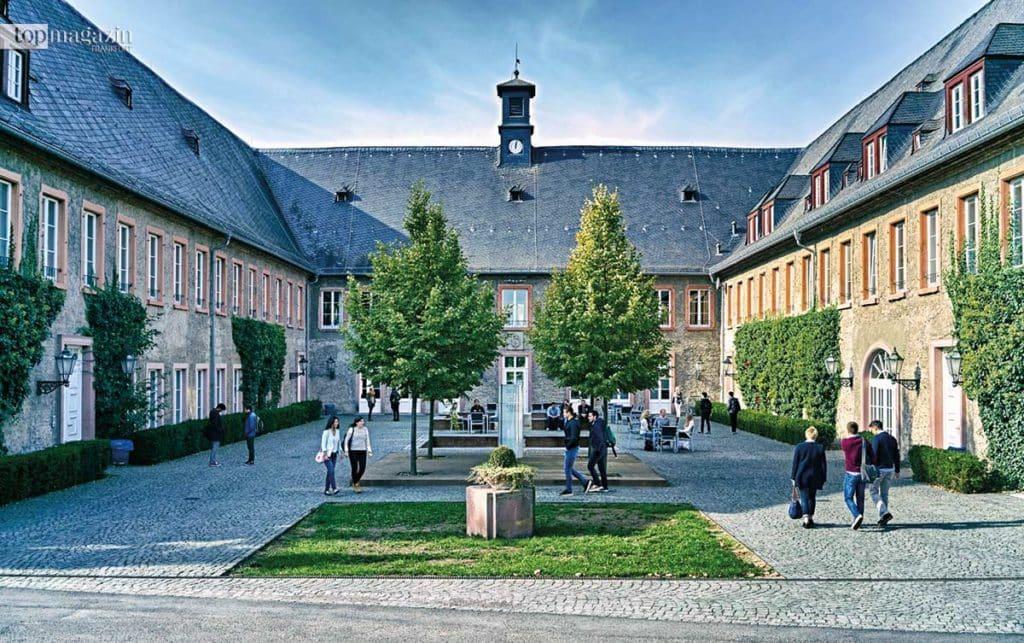 Der Campus der EBS in Östrich-Winkel