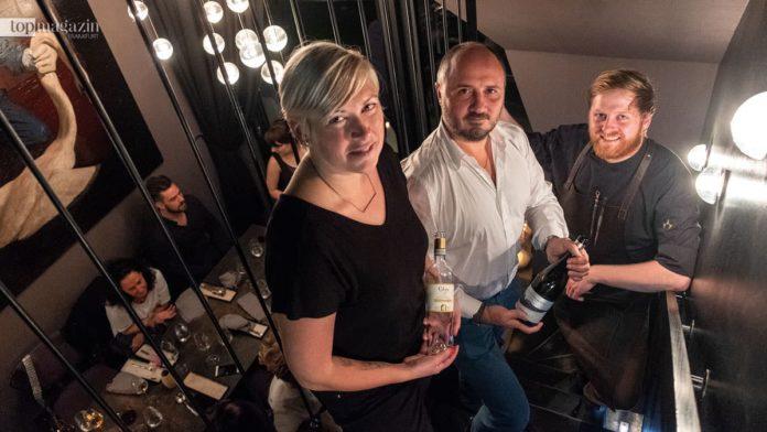 Betriebsleiterin Lainie Taillefer mit Winzer Bernado Barberani und dem neuen Küchenchef Ricky Saward