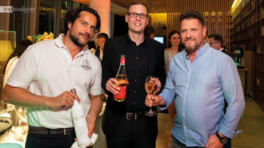 Patrick Llorente (Werner Wermut), Eckart Waitz (Weingut Hans Lang) und Dominik Aurich (Ibero Tourservice )