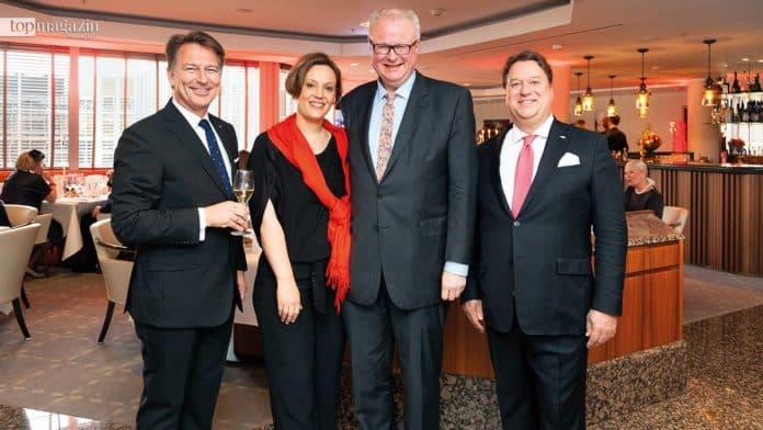 Roland Ross mit Hessens Finanzminister Dr. Thorsten Schäfer und Ehefrau Monika sowie Airportclub-Investor Torsten Hollstein