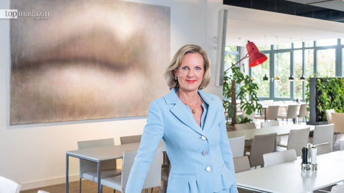 International Art Bridge Geschäftsführerin Petra Becker