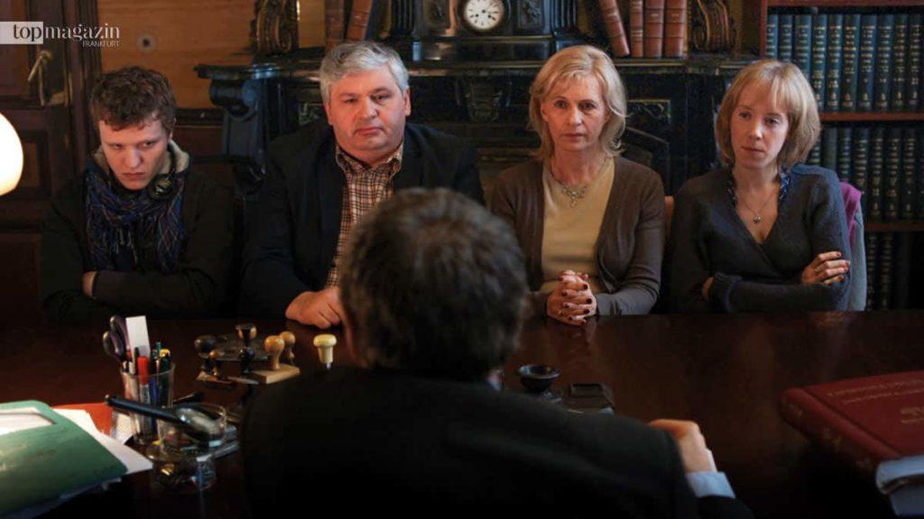 """Im Film """"Das Haus auf Korsika"""" vermacht eine alte Dame jedem Familienmitglied ein besonderes Erbstück"""