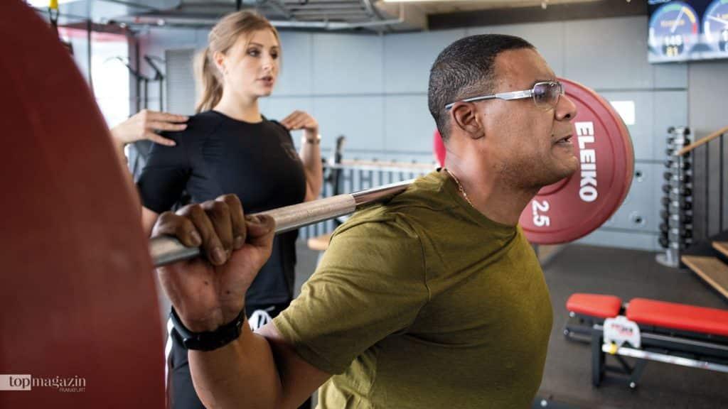 Eugene Mosby mit seiner Personal Trainerin Julia Starke