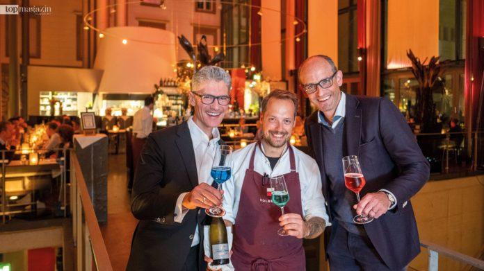 Gastgeber Hendrik Fischer mit Küchenchef Patrick Großmayer und Open Table Deutschland-Manager Daniel Simon