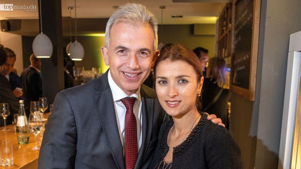 Oberbürgermeister Peter Feldmann mit seiner Frau Zübeyde