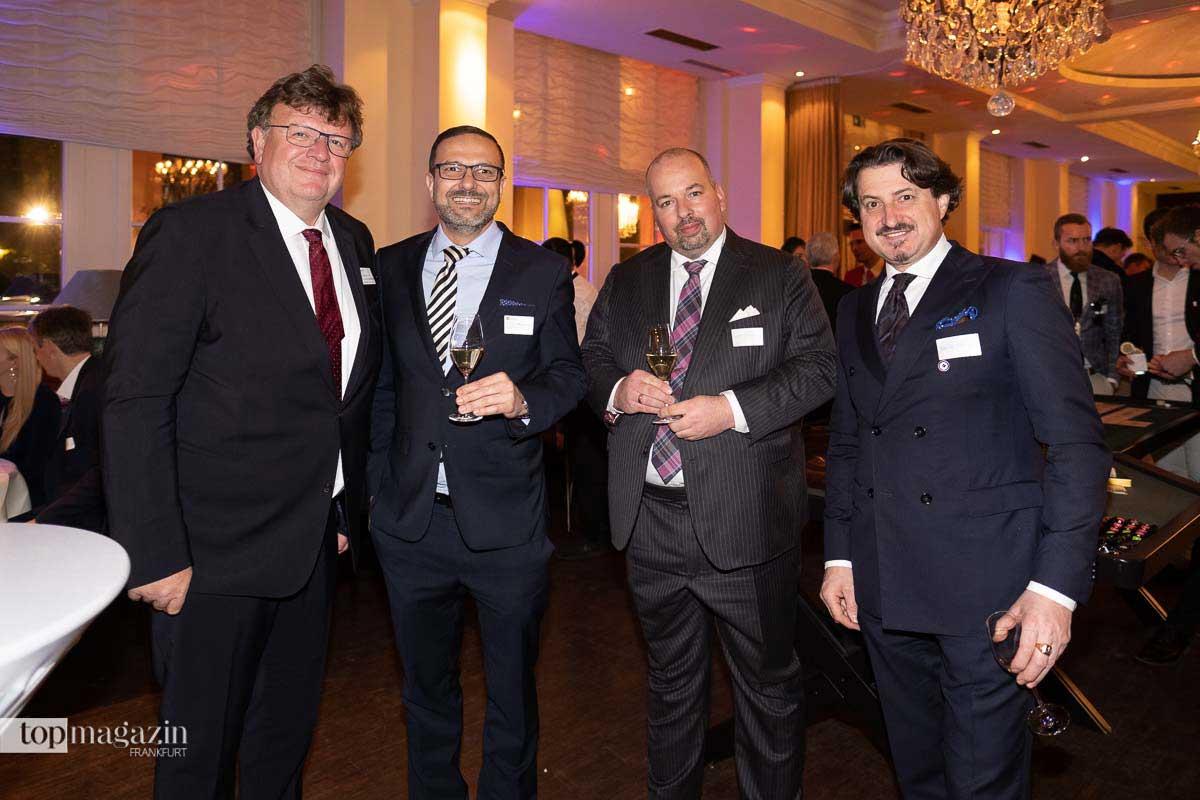 Bundesbankvorstand Dr. Johannes Beermann, Dr. Payam Homayounfar (Schaaf Peemöller + Partner), Sven Schallmey und Roland Schmidt
