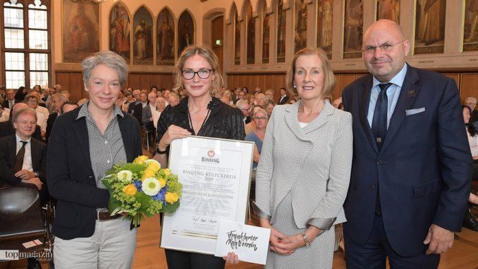 Stadträtin Dr. Ina Hartwig, Kunstverein-Direktorin Franziska Nori, Bergit Gräfin Douglas und Binding-Vorstand Otto Völker