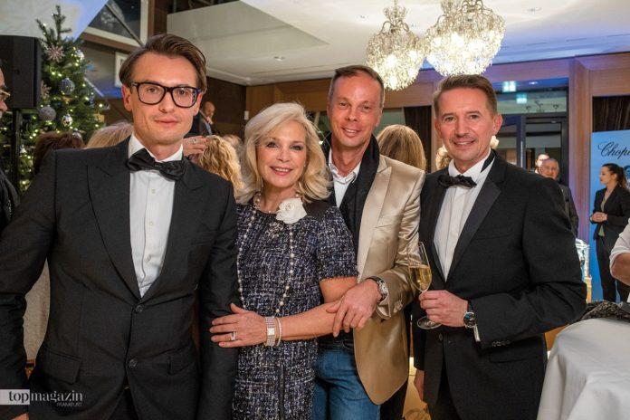 Alexander Arynenka, Beate van Zanten und Steffen Koch mit Daniel Bockholdt