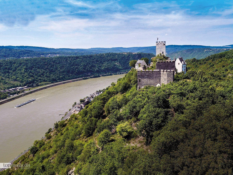 """Die """"Feindlichen Brüder"""" Blick von Burg Liebenstein auf Burg Sterrenberg"""