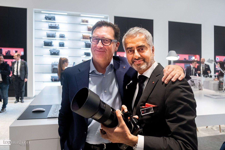 Leica-CEO Matthias Harsch und Quaiser R. Malik eröffnen den Store in Wetzlar