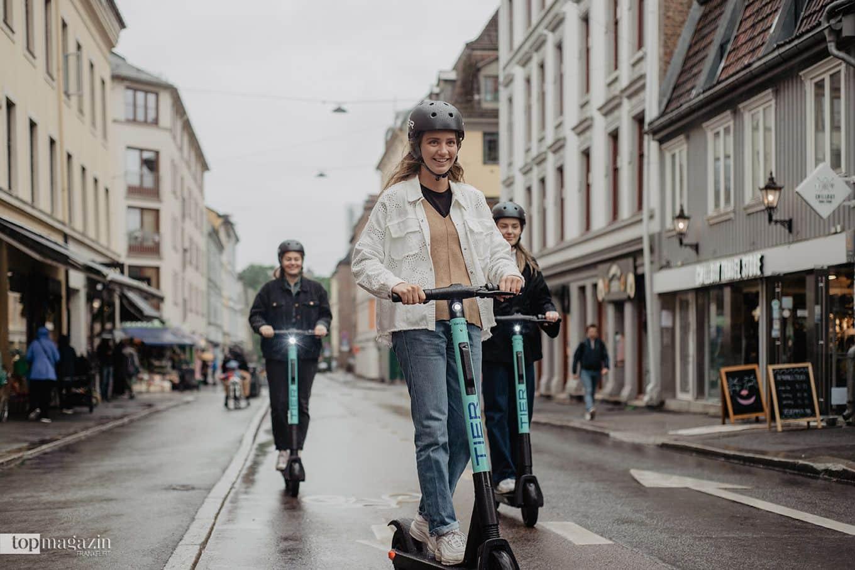 Für eine E-Scooter-Tour mit Freunden bieten die Anbieter Gruppen-Tarife an