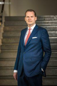 Georg Plesser übernimmt er die Leitung vom renommierten Grandhotel Excelsior Hotel Ernst in Köln