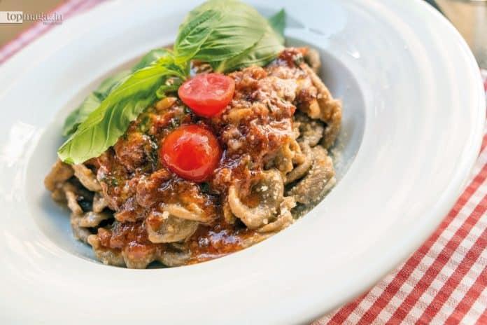 "Pasta ""Nonna Rosa"" mit Grano Arso, frischer Salsiccia, Brokkoli und Ricotta bei Pizza & Pasta Scialpi"