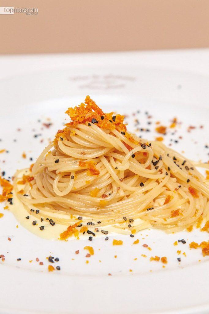 Spaghetti mit Bottarga auf Limonensauce im Vini da Sabatini