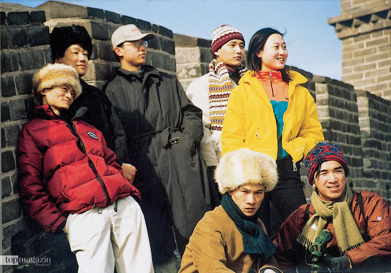 Jack Ma (links) im Jahre 1998. Ein Jahr später gründete er mit 16 Freunden und einem geliehenen Startkapital von 60.000 Dollar das Unternehmen Alibaba.