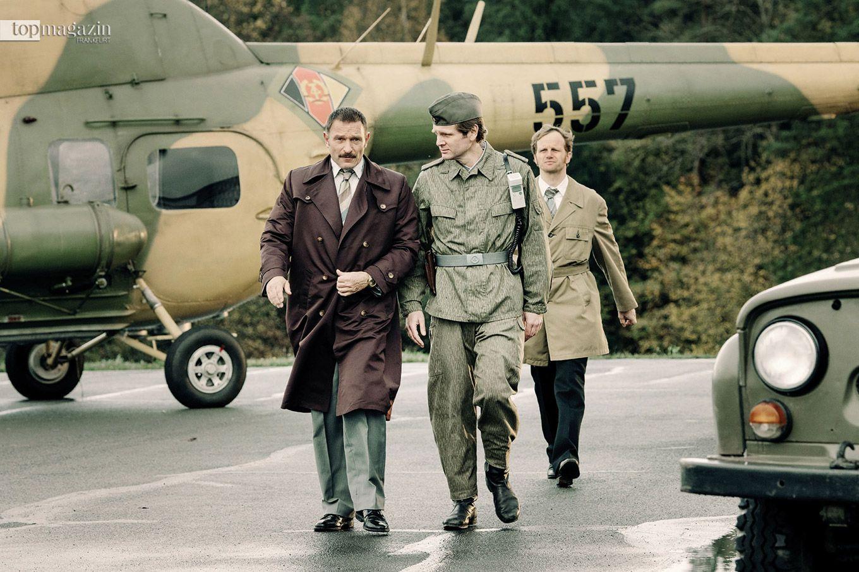 Familie Strelzyk immer auf den Fersen - Oberstleutnant Seidel (Thomas Kretschmann), Leutnant Strehle (Kai Ivo Baulitz) und Hauptmann Heym (Christian Näthe).