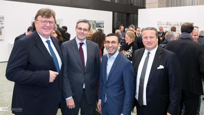 Bundesbank-Vorstand Johannes Beermann, Architekt Ferdinand Heide, Stadtrat Mike Josef und Daniel Ritter (von Poll)