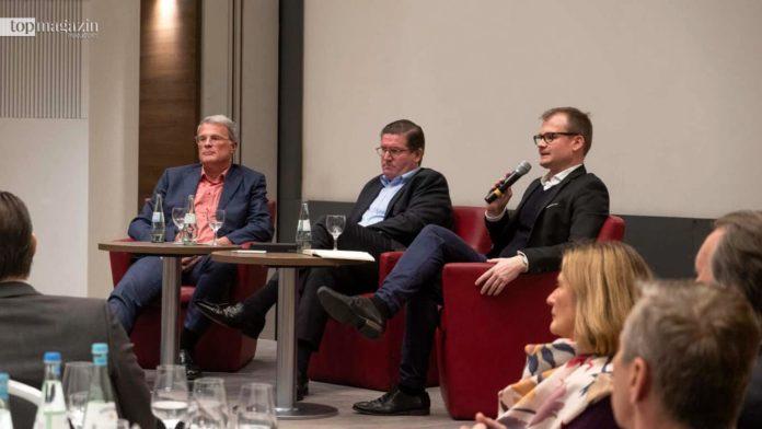 Volker Siefert (freier Journalist hr), Wirtschaftsclub-Präsident Thomas Kremer und Daniel Gräber (ehem. FNP)