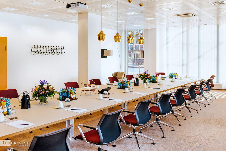"""Einer der 10 Tagungsräume im """"ecos office center"""" Frankfurt"""
