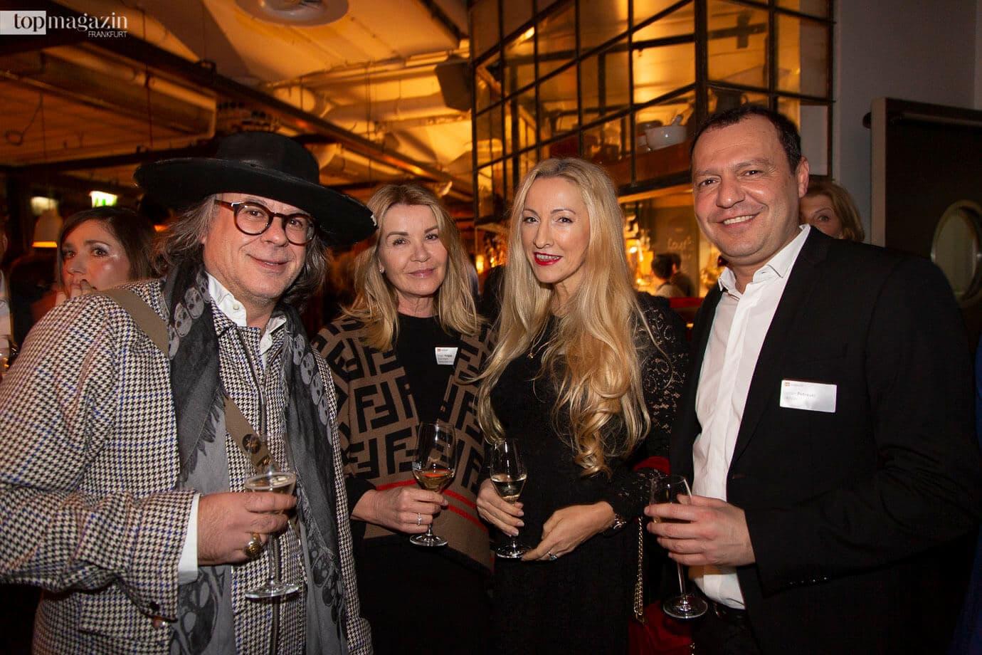 Ardi Goldman mit Birgit Hagge (Deininger Unternehmensberatung), Irena Brncic und Goran Petreski (VaiVai)