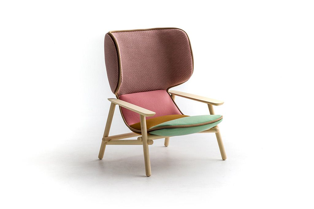 Lilo Wing (2018) für Moroso: Faszination und Anklänge eines skandinavischen Designs, an die Moderne der 1950er Jahre und die Arbeiten der großen Meister, darunter Achille Castiglioni, dessen Assistentin sie am Beginn ihrer beruflichen Karriere war.