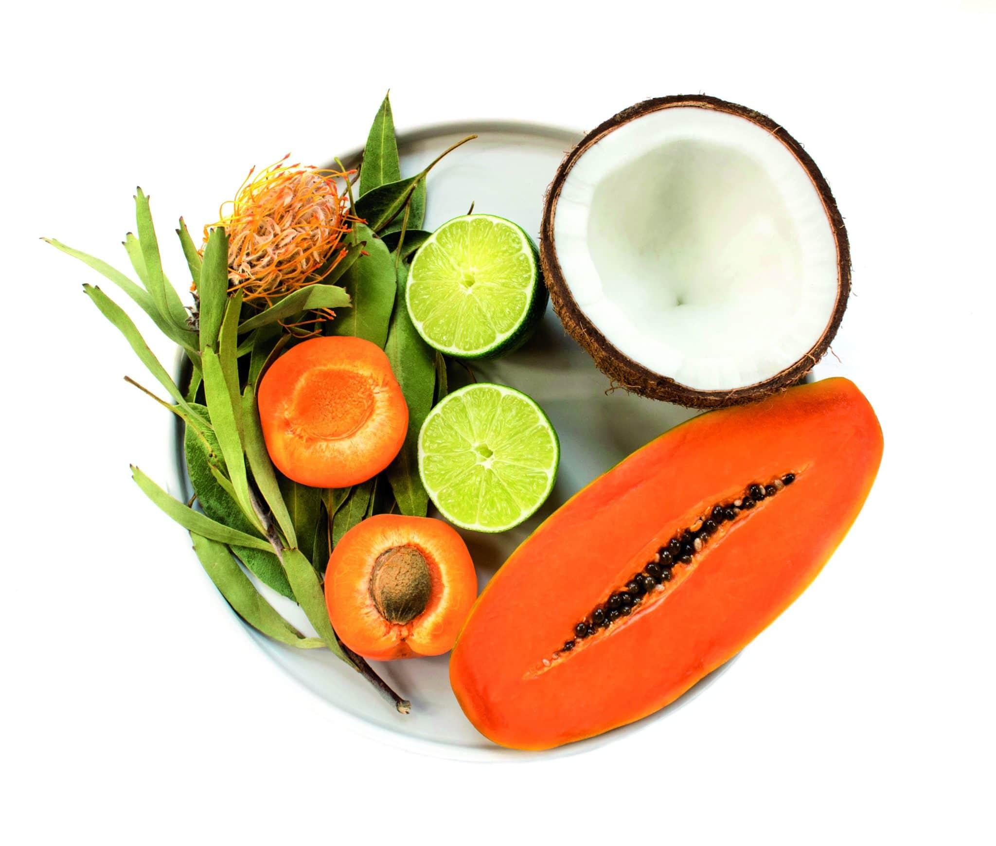 Natürliche Öle, wie Avocadoöl, Kokosöl, a oder sogar handelsübliches Olivenöl, sind wahre Schätze für die Gesichtspflege.