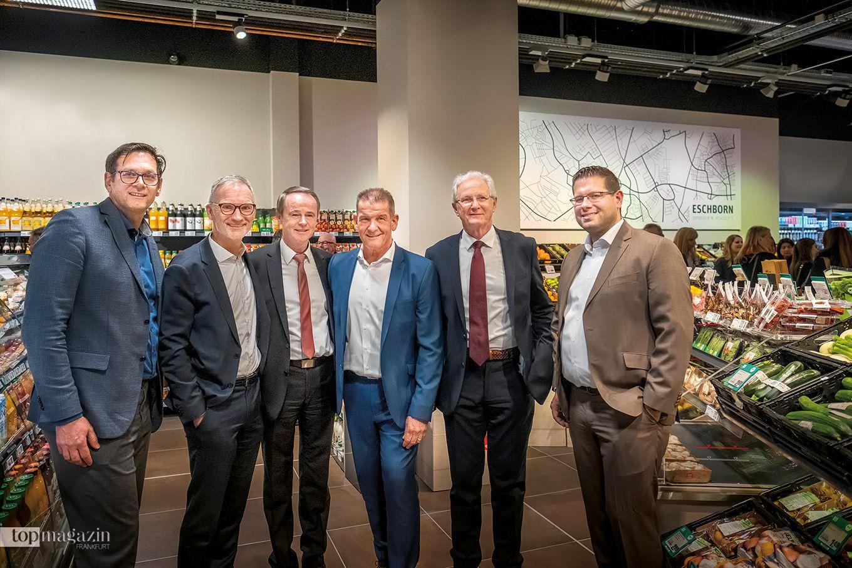 Ehrengäste zur Eröffnung Stefan Haja (Rewe), Thomas Nonn (Rewe Bereichsvorstand), Rewe Mitte-Chef Jürgen Scheider, Mitinhaber Rainer Lapp, OB Mathias Geiger und Bernd Kaffenberger