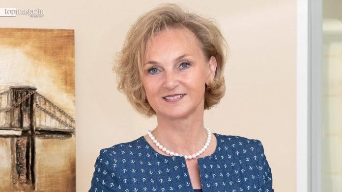 Notarin und Fachanwältin Sabrina Rokuss