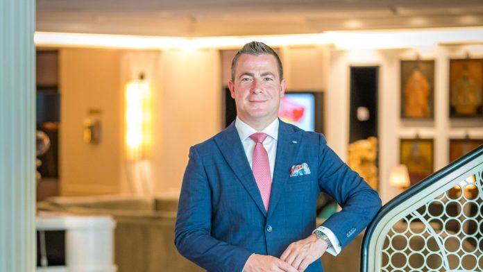Steffen Opitz ist neuer Chef vom Sofitel Frankfurt (Foto Peter Krausgrill)