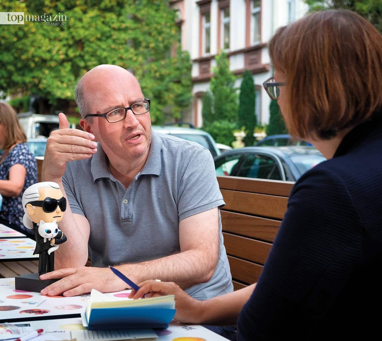 Alfons Kaiser im Gespräch mit Top Magazin-Autorin Sabine Börchers