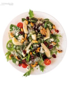 Herbstlicher Salat mit Birnen und Roquefort