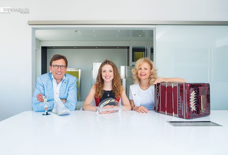 Wolf Matthias Mang mit Isabelle Mang und Simone Weinmann-Mang