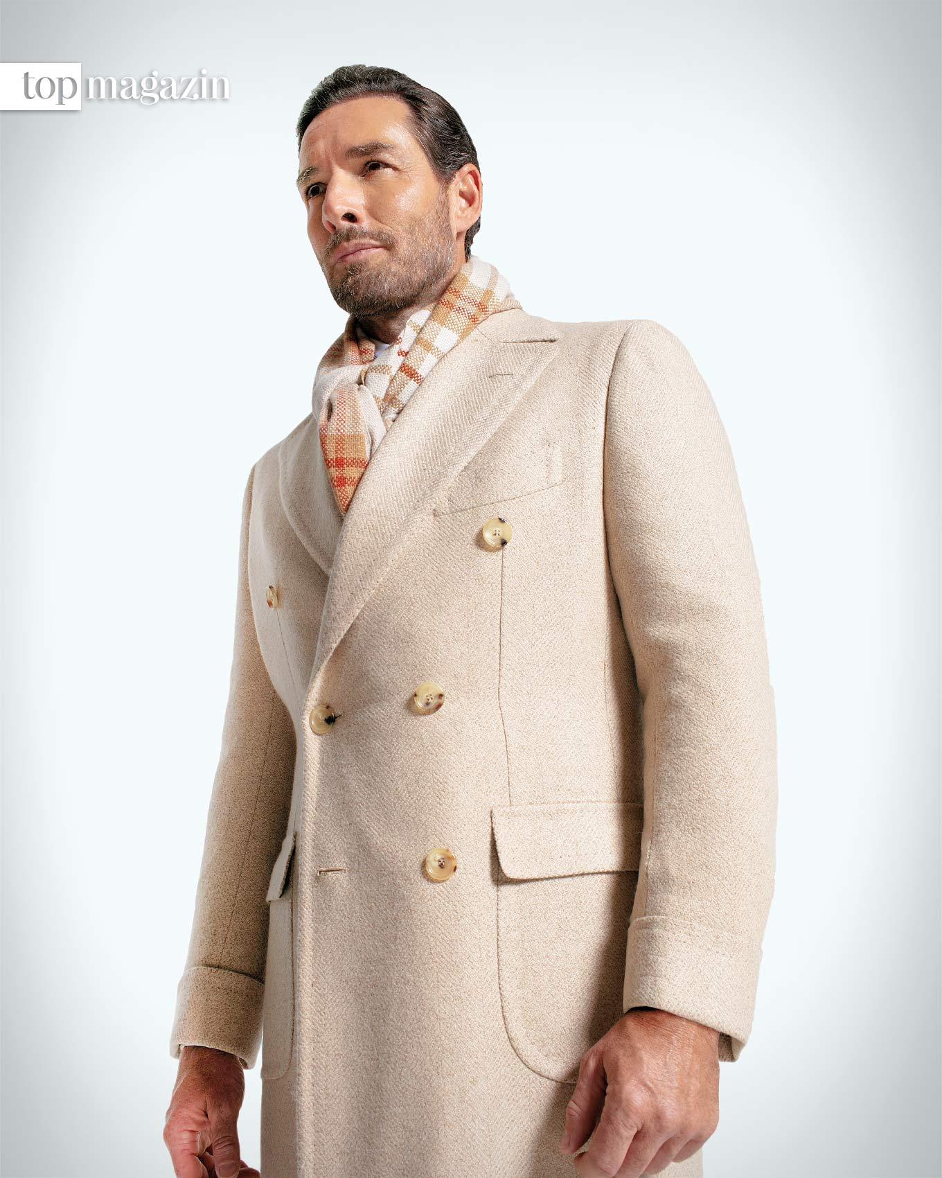 Ein Traum aus Kaschmir- hell-beige Mantel der Winterkollektion von Cesare Attolini