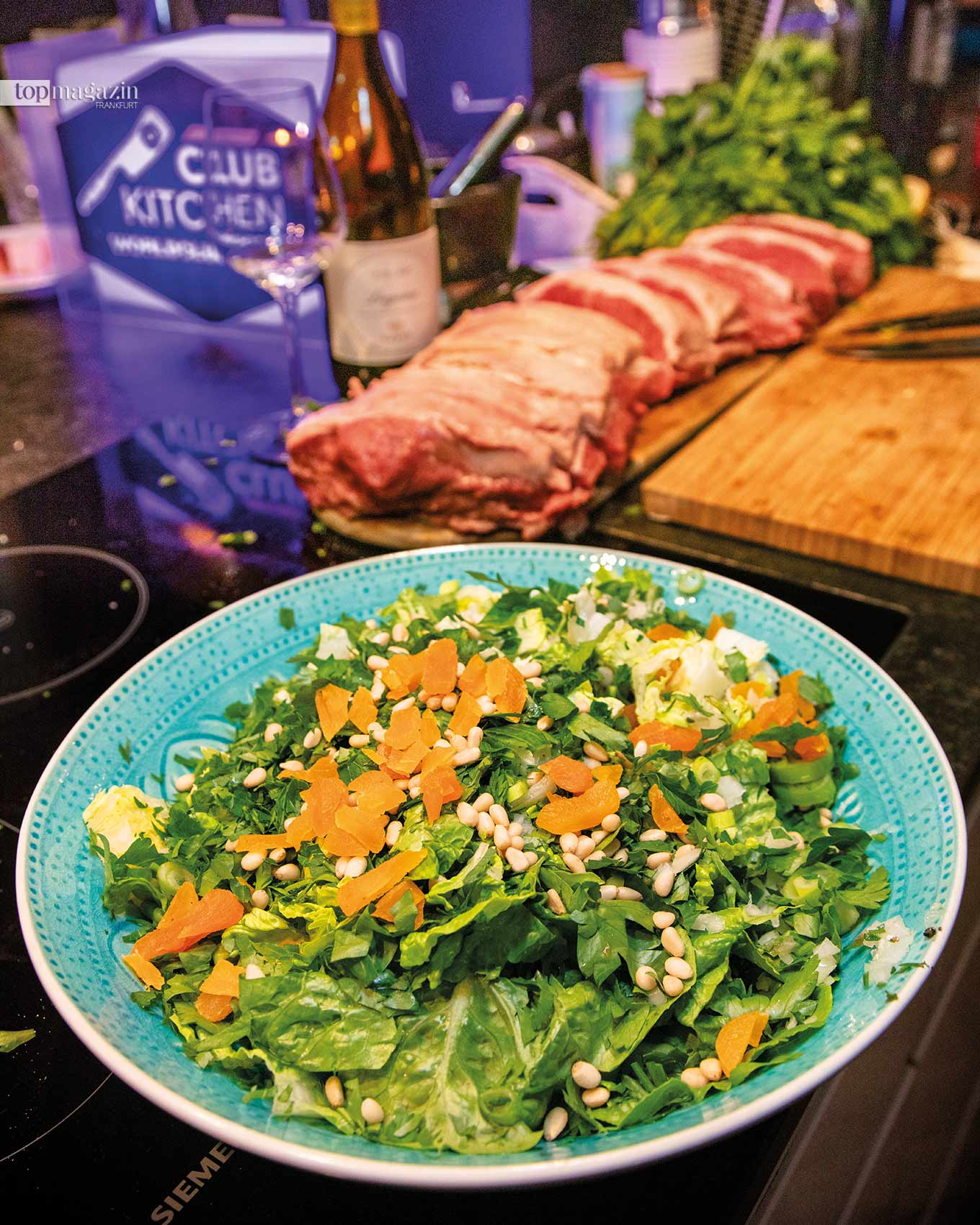 Mixed Salad mit Pinienkernen und getrockneten Aprikosen