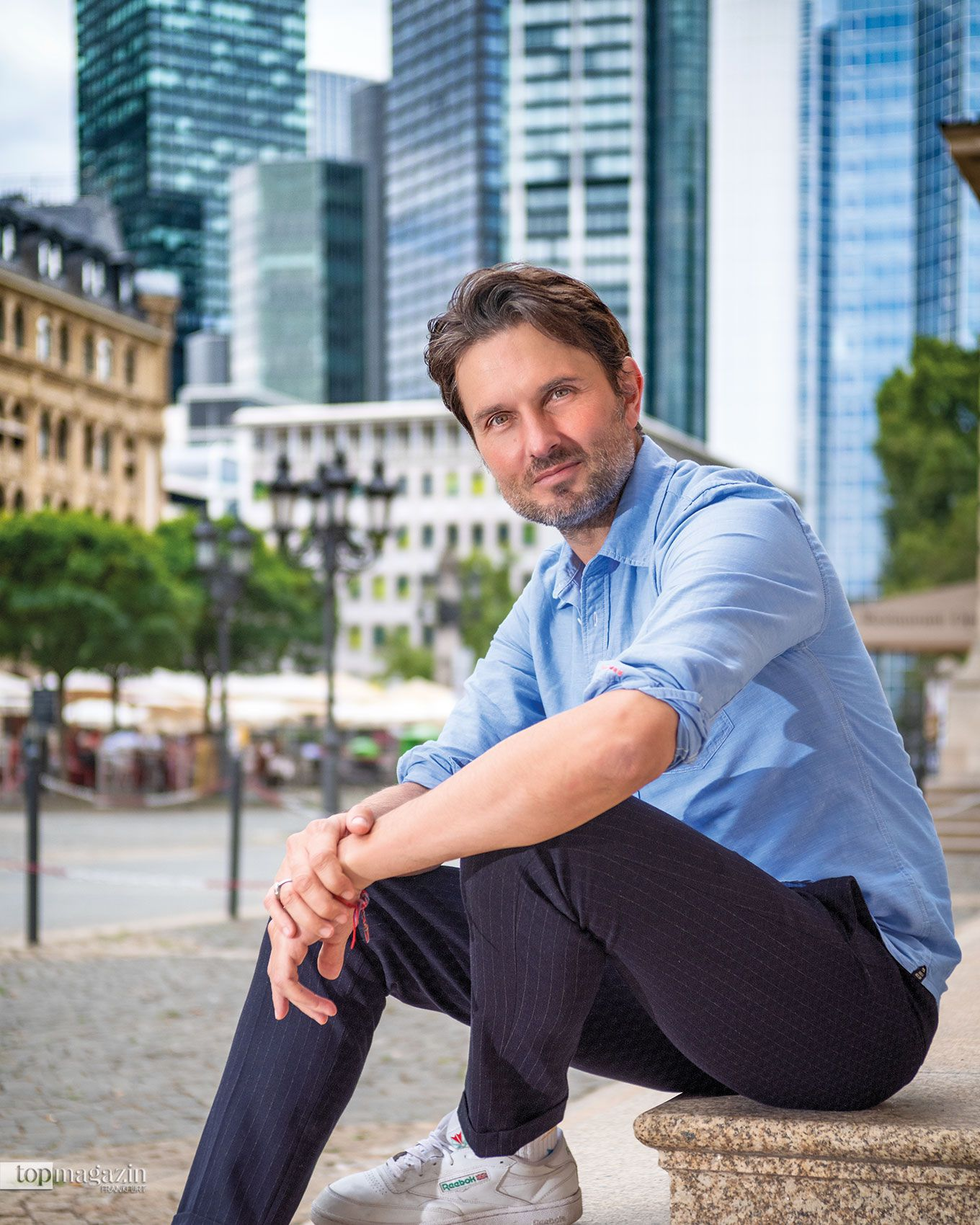 Simon Verhoeven am Opernplatz in Frankfurt