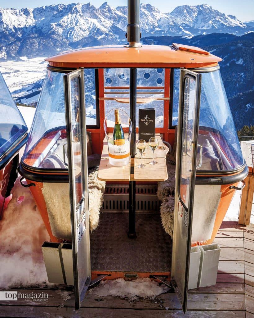 Kulinarisches Highlight - Die Zermatter Gondel mit Schweizer Raclette und atemberaubender Aussicht