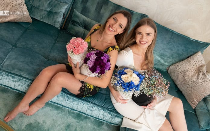 Bella Lileiko und Alyona Eckert vom Start-up Femme Florale fertigen elegante, bezaubernde Blumen-Bouqets in Boxen