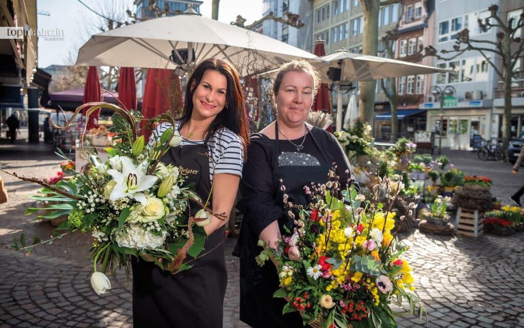 Floristinnen aus Leidenschaft - Rebecca Tezsay und Laden-Managerin Dina Giunta von Blumen-Meister auf der Freßgass'