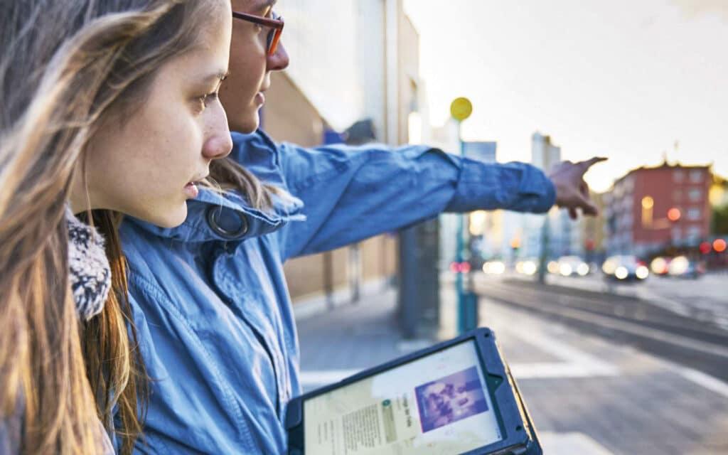 """Die App """"Unsichtbare Orte"""", ein virtueller Stadtführer des Jüdischen Museums und des Historischen Museums, führt ihre Nutzer auf Spurensuche durch Frankfurt"""