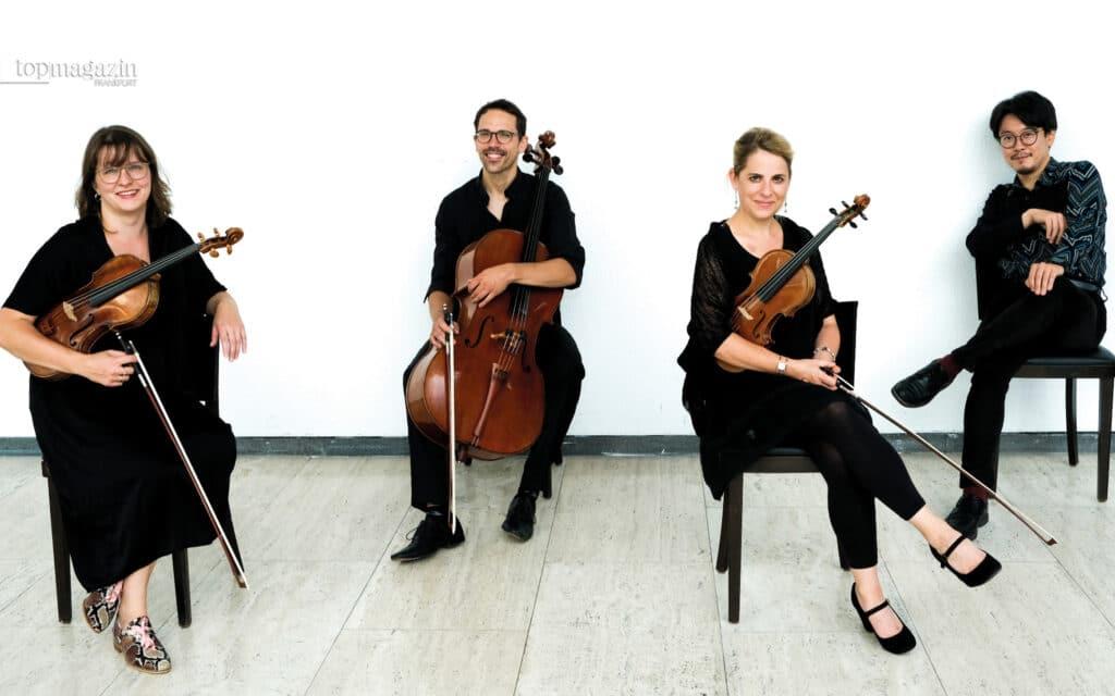 Violinistin und Vorstandmitglied Regine Schmitt Elisabeth Friedrichs, Florian Fischer und Takeshi Moriuchi