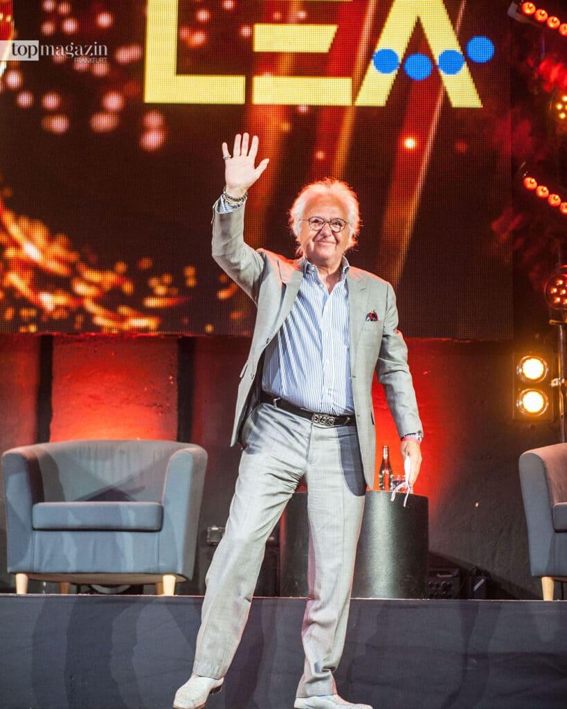 Dem glücklichen Preisträger Ossy Hoppe gratulierten Stars wie Jon Bon Jovi, Sting, Kiss, Ozzy Osbourne und die Scorpions per Video aus aller Welt. (Foto Sauda)