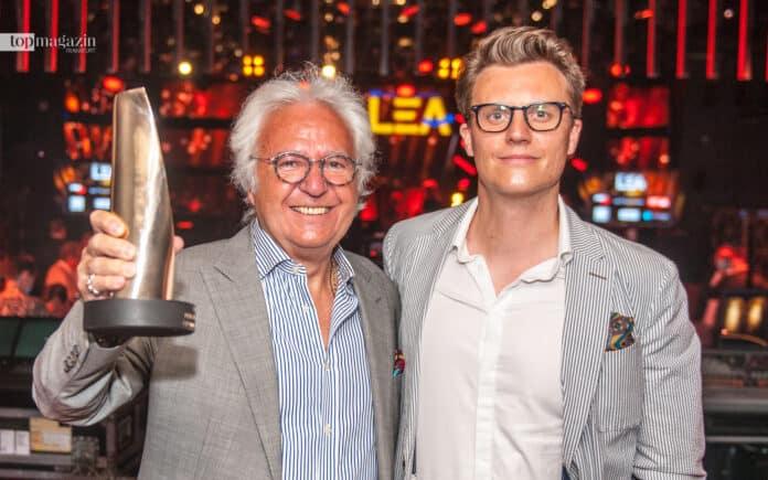Ossy Hoppe wurde für sein Lebenswerk geehrt. Die emotionale Laudatio auf die Konzert-Legende hielt sein Sohn Oliver (Foto Sauda)