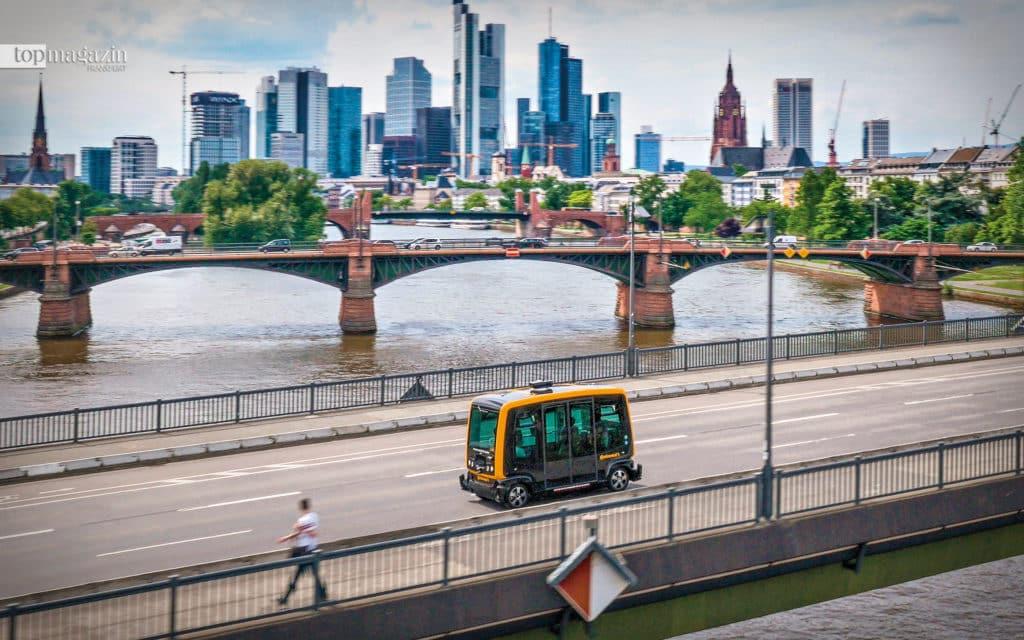 Der Automobilzulieferer Continental erprobt ein fahrerloses Shuttle, das dabei helfen soll, den Autoverkehr in der Frankfurter Innenstadt zu reduzieren