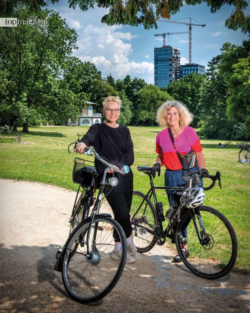Für das Top Magazin unternahmen die Freundinnen Bärbel Schäfer und Susanne Fröhlich erstmals eine gemeinsame Radtour im Grüneburgpark