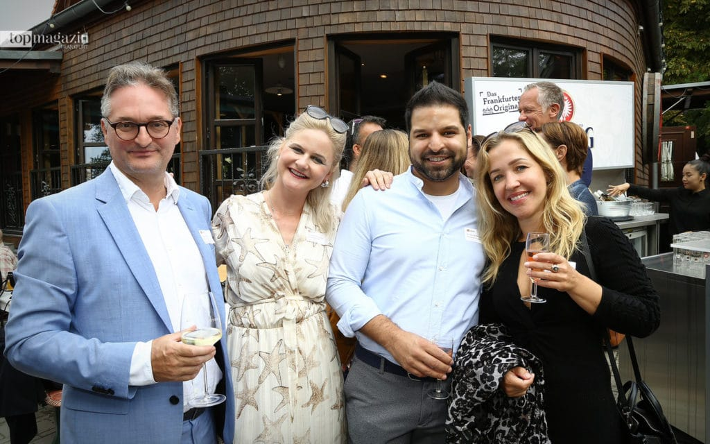 Abgeordneter Oliver Stirböck (Hessicher Landtag) mit Dr. Christiane Berger (MKG Offenbach), Dr. Nairas Abuagela und Sylvia Nikisch (Aesthetic Quartier Frankfurt)