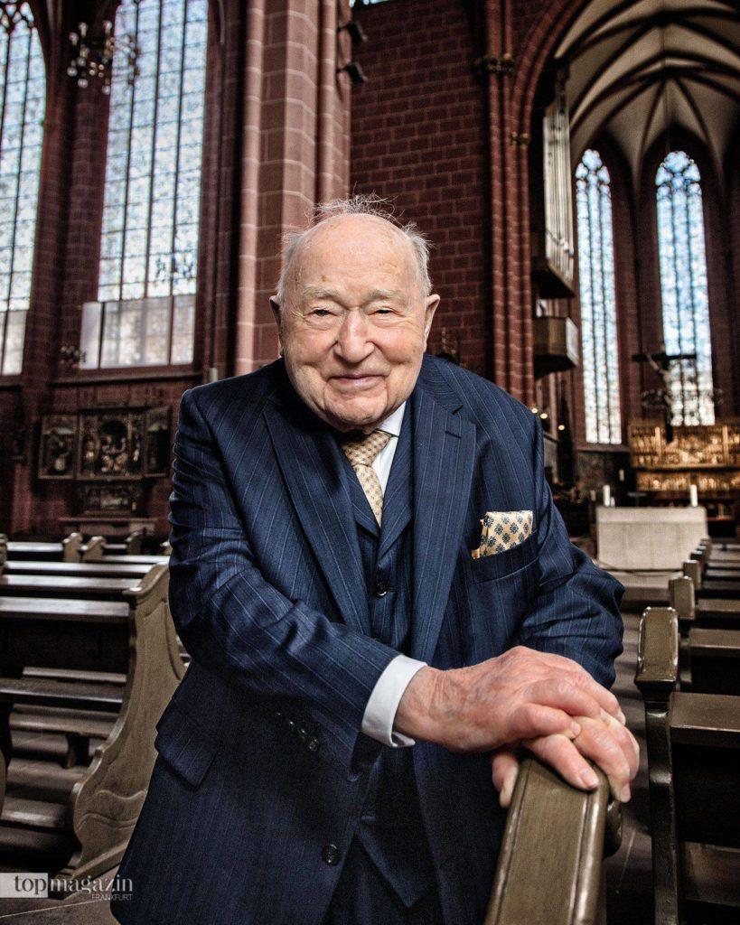 Stadtkämmerer a. D. Dr. h.c. Ernst Gerhardt, geboren 1921, war schon als Kind mit seiner Mutter im Dom, hat Zerstörung, Wiederaufbau und Renovierung miterlebt. (Foto Holger Peters)