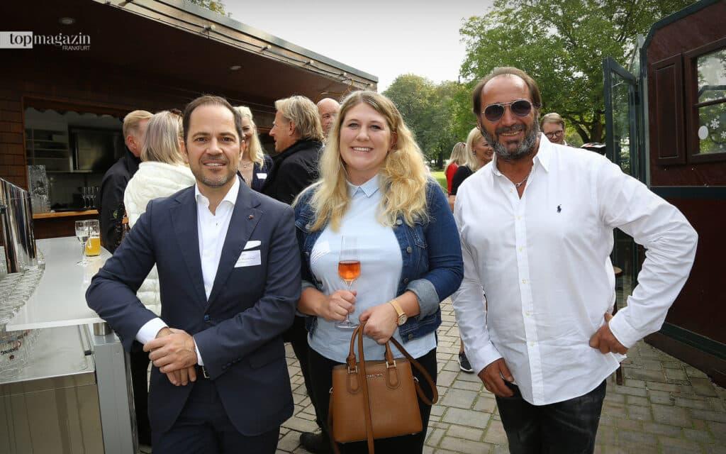 Top Magazin-Verleger Michael Ruiss mit der neuen Stadträtin Stephanie Wüst und Gastronom Christian Dressler (Lohrberg Schänke; Apfelwein Solzer)